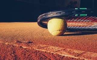 tennis-elbow-sun-ball-tennis-court