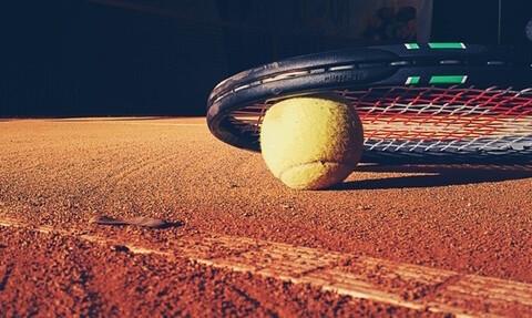 tennis-elbow-sun-ball-tennis-court